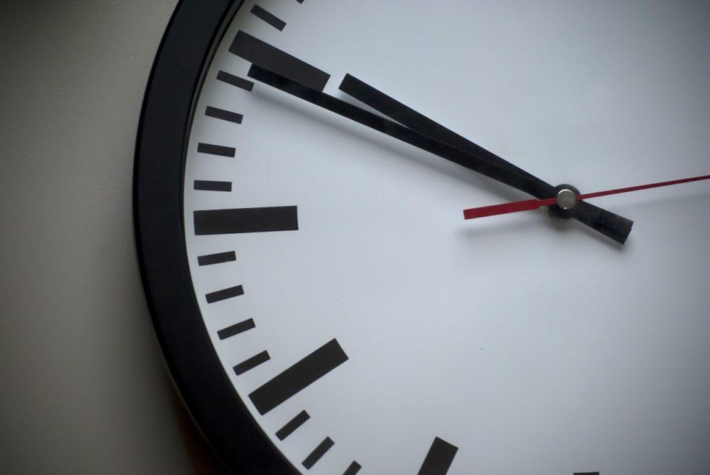➤ Du brauchst Geduld und Zeit, wenn du ein Zahlenschloss knacken möchtest. Wenn es nicht gleich klappt, lege ein kurze Pause ein.